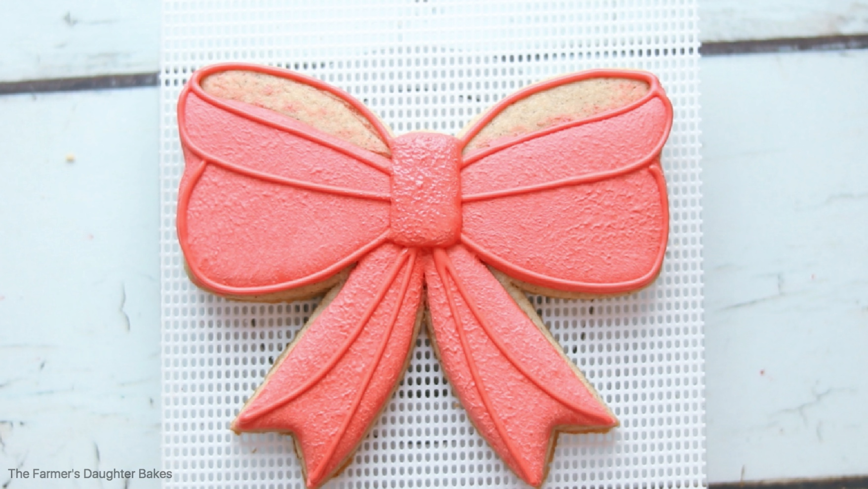 bow, bow cookie, christmas, christmas cookie, christmas bow, how to decorate cookies,